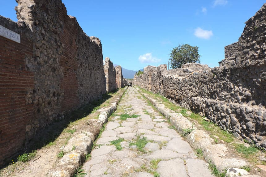 Pompeii by Robert Harris Books about Italy