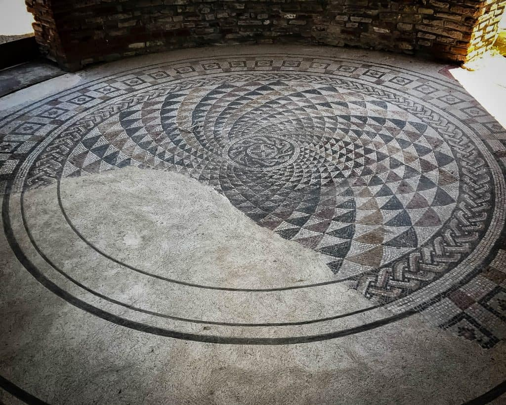 A gorgeous geometric mosaic at the Palace of Galerius