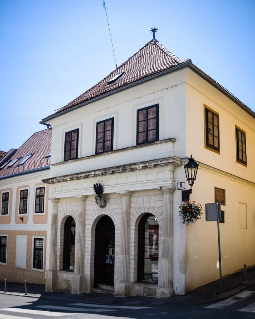 K Crnom Orlu - The oldest pharmacy in Zagreb