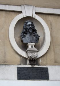 His Majesty King Charles I passed through this hall and out of a window nearly over this tablet to the scaffold in Whitehall where he was beheaded on 20th January 1649. Photo Credit: The Wub on Wikimedia Commons