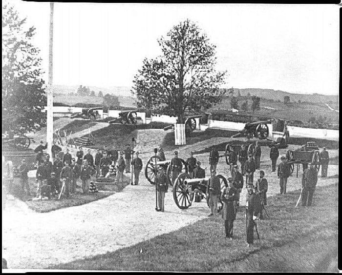 Civil War photograph of Ft. Stevens, Washington, D.C. Officers and men of Company F, 3rd Massachusetts Heavy Artillery, in Fort Stevens. William Morris Smith [Public domain], via Wikimedia Commons