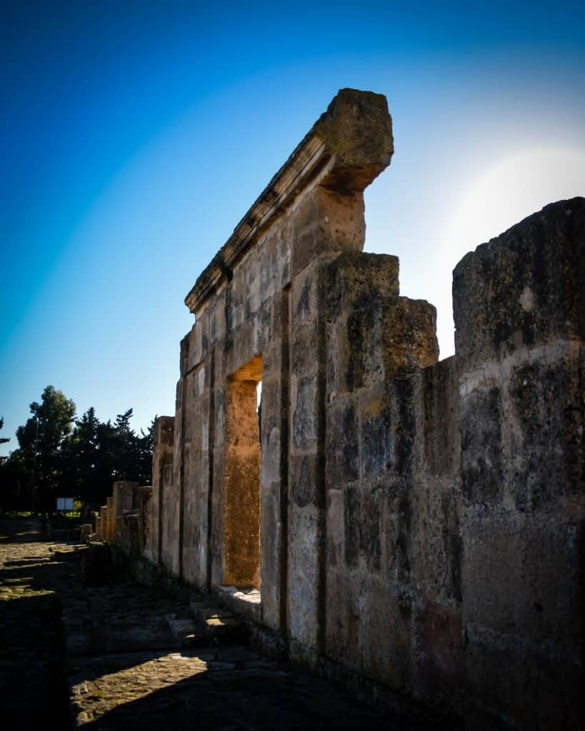 The remains of Utica, the first Phoenician colony in Tunisia - Photographs of Tunisia Historical Sites