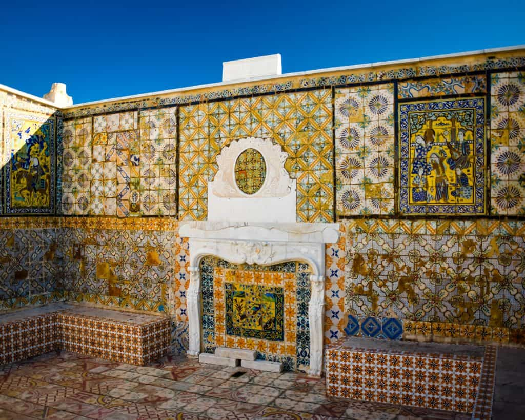A rooftop in the Medina of Tunis - Photographs of Tunisia Historical Sites
