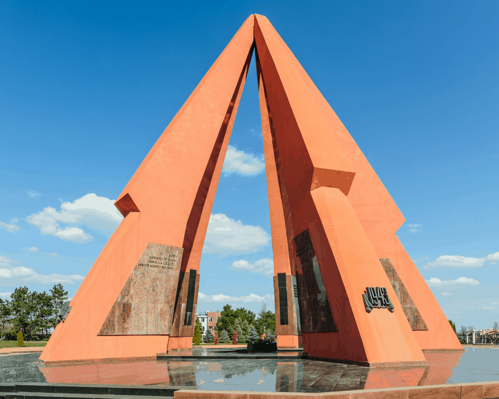 Moldova - Chisinau - Victory Memorial and Eternal Flame - Canva