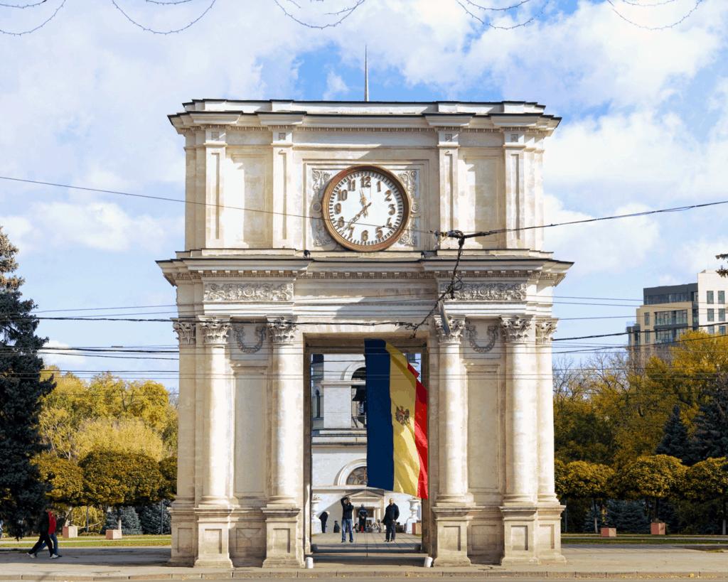 Moldova - Chisinau - Triumphal Arch - Pixabay