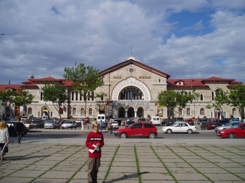 Moldova - Chisinau - Chisinau Railway Station - Wikimedia Commons