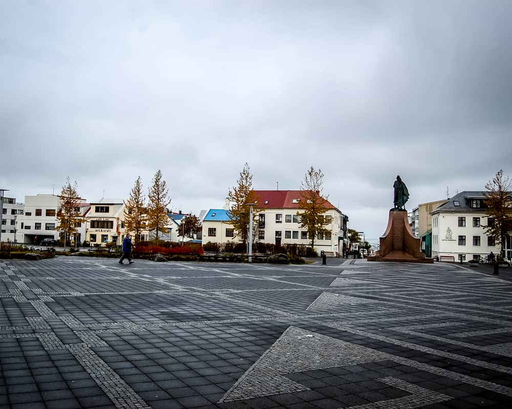Iceland - Reykjavik - Leif Eriksson Statue in front of Hallgrímskirkja