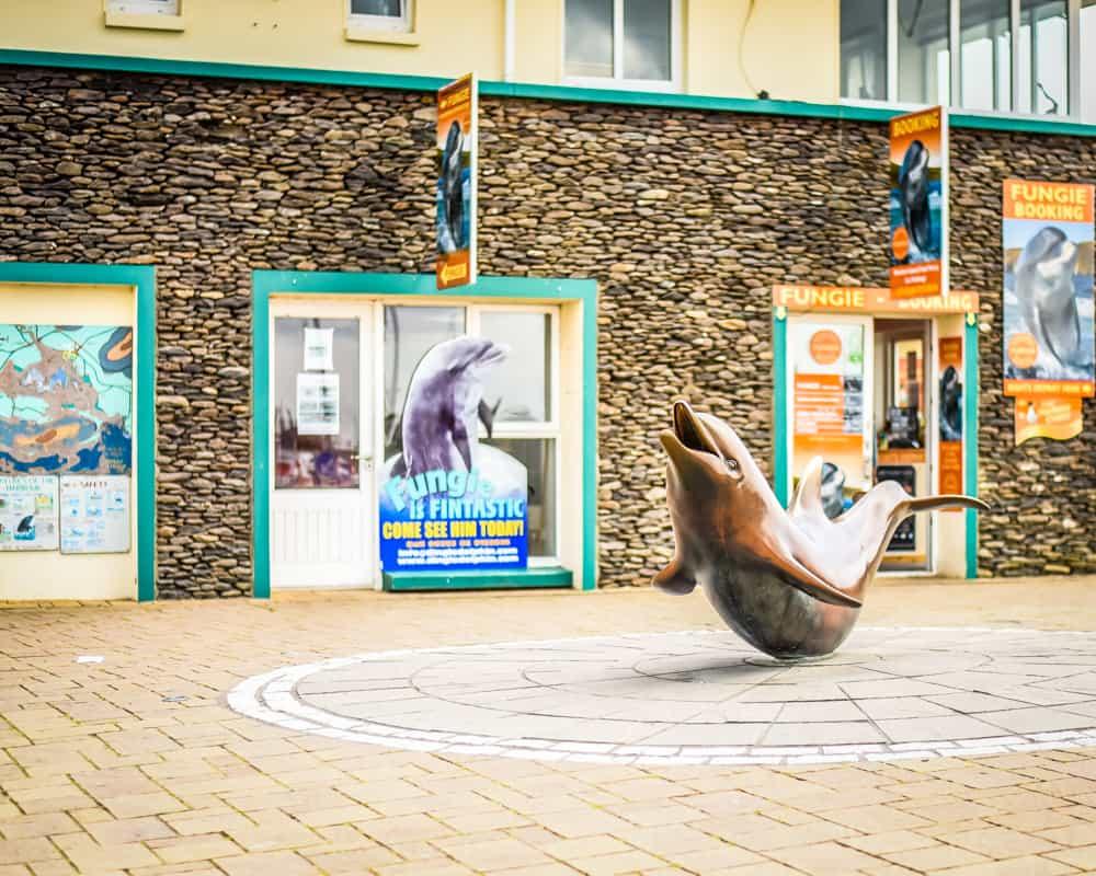 Ireland - Dingle - Fungie Statue