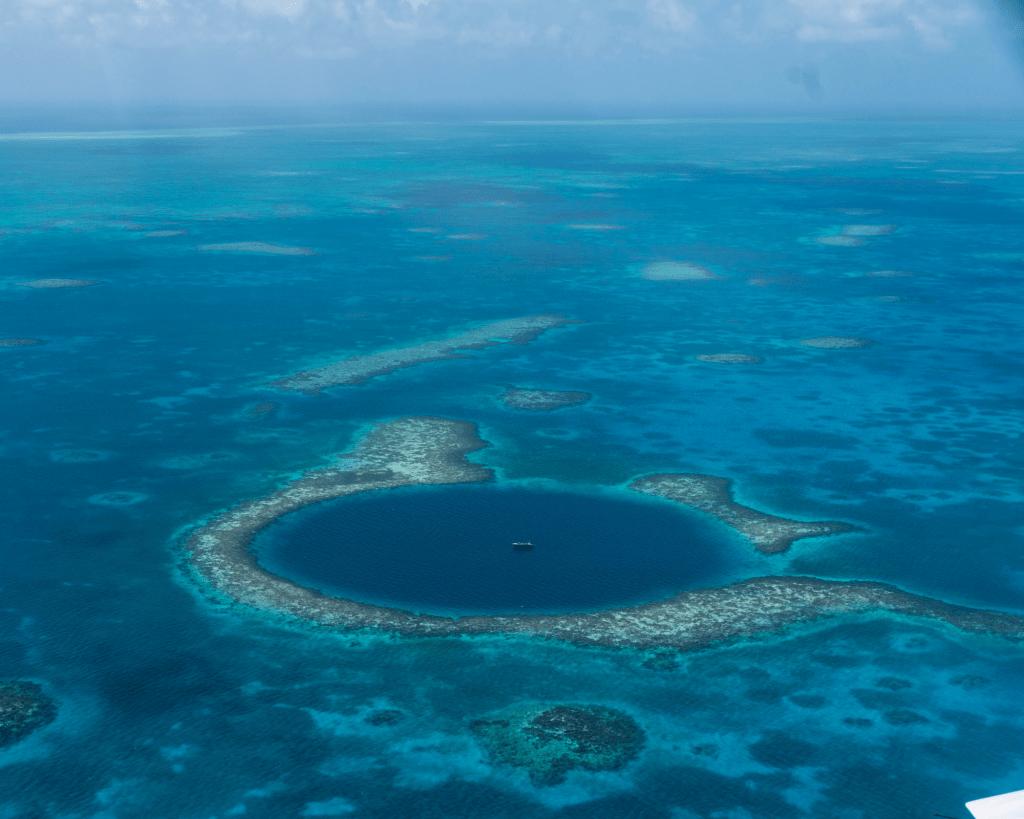 Belize - Great Blue Hole - Canva
