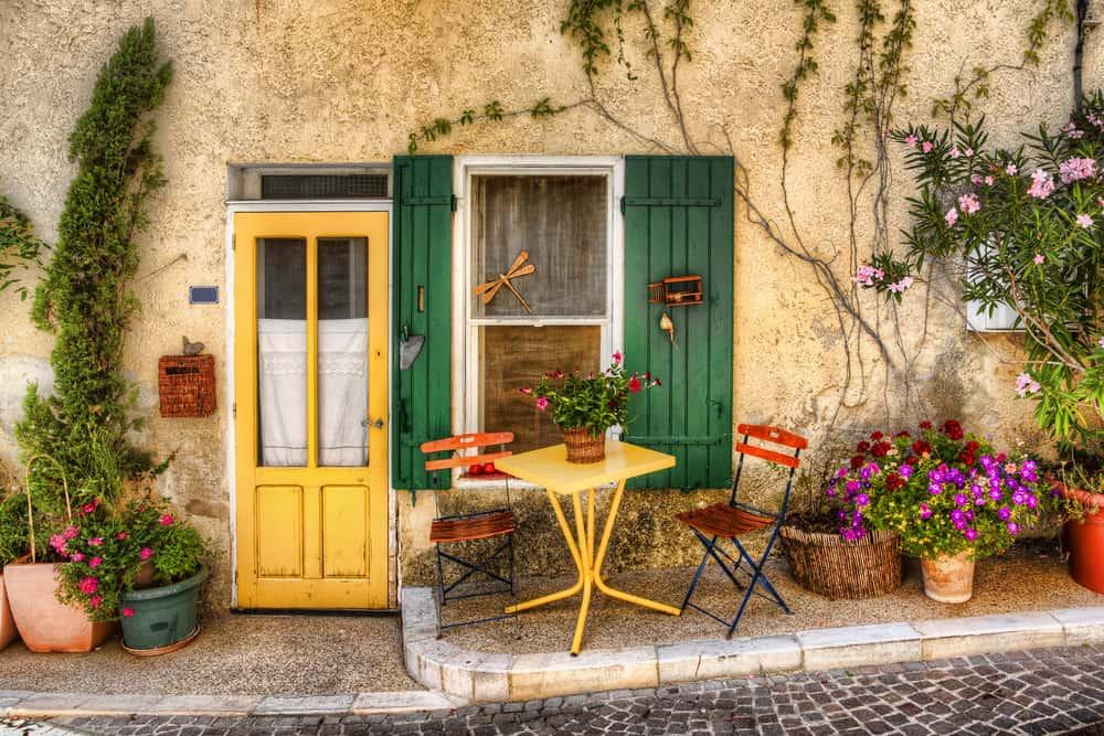 France - Provence - Charming Facade in Beaumes-de-Venise