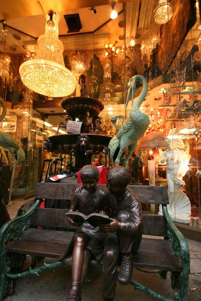 USA - NYC - antique store