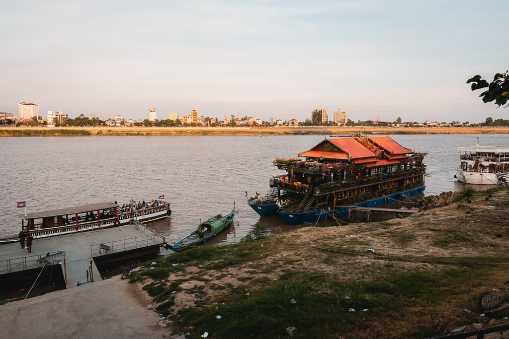 Cambodia - Phnom Penh - Mekong River