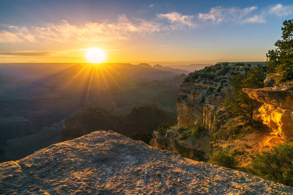 USA - Arizona - sunrise at hopi point on the rim trail at the south rim of grand canyon in arizona in the usa