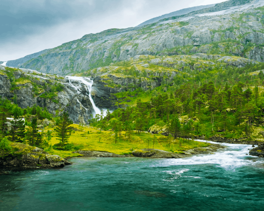 Norway - Valley of Waterfalls - Canva