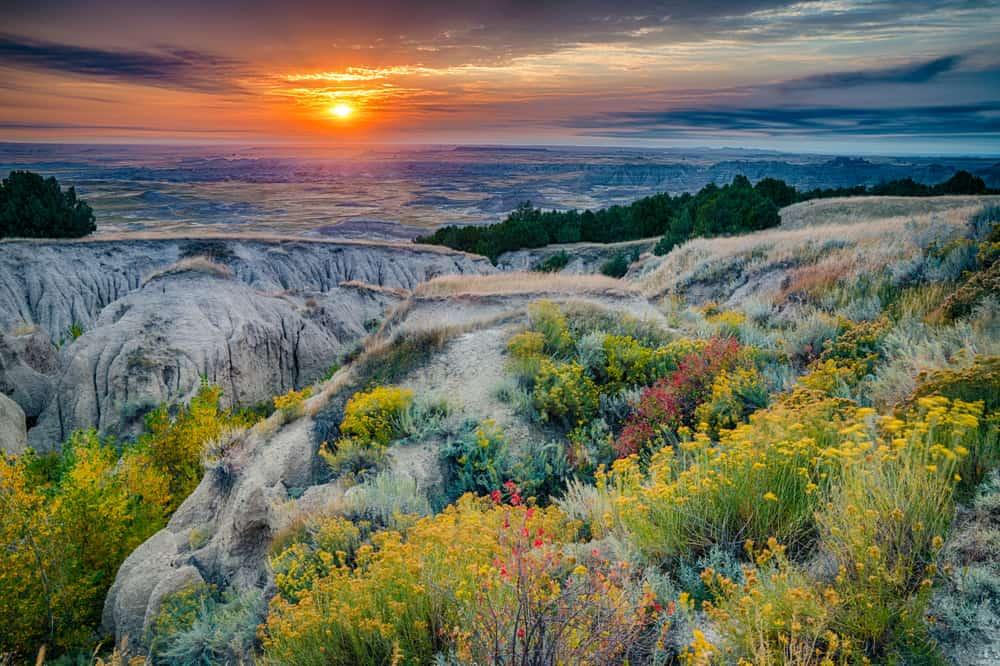 Sunrise,Over,Badlands,National,Park,,South,Dakota