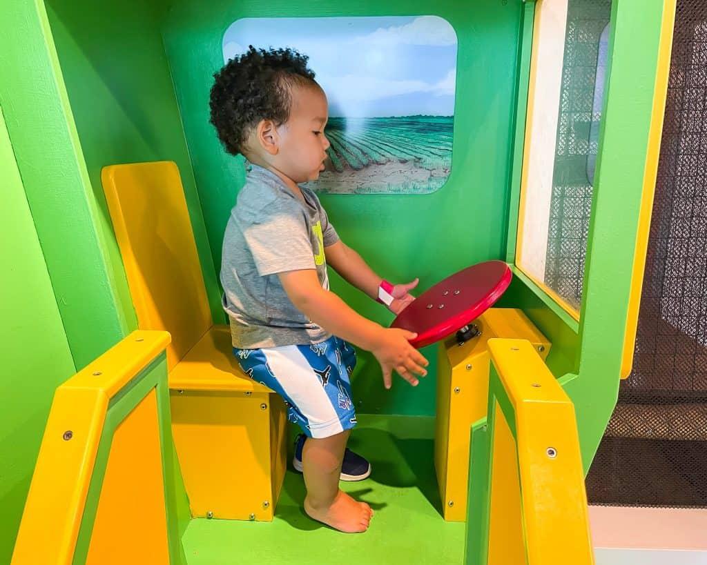 Mississippi - Jackson - Fondren - Mississippi Children's Museum - Gift Shop for Jackson Souvenirs - Jordan playing