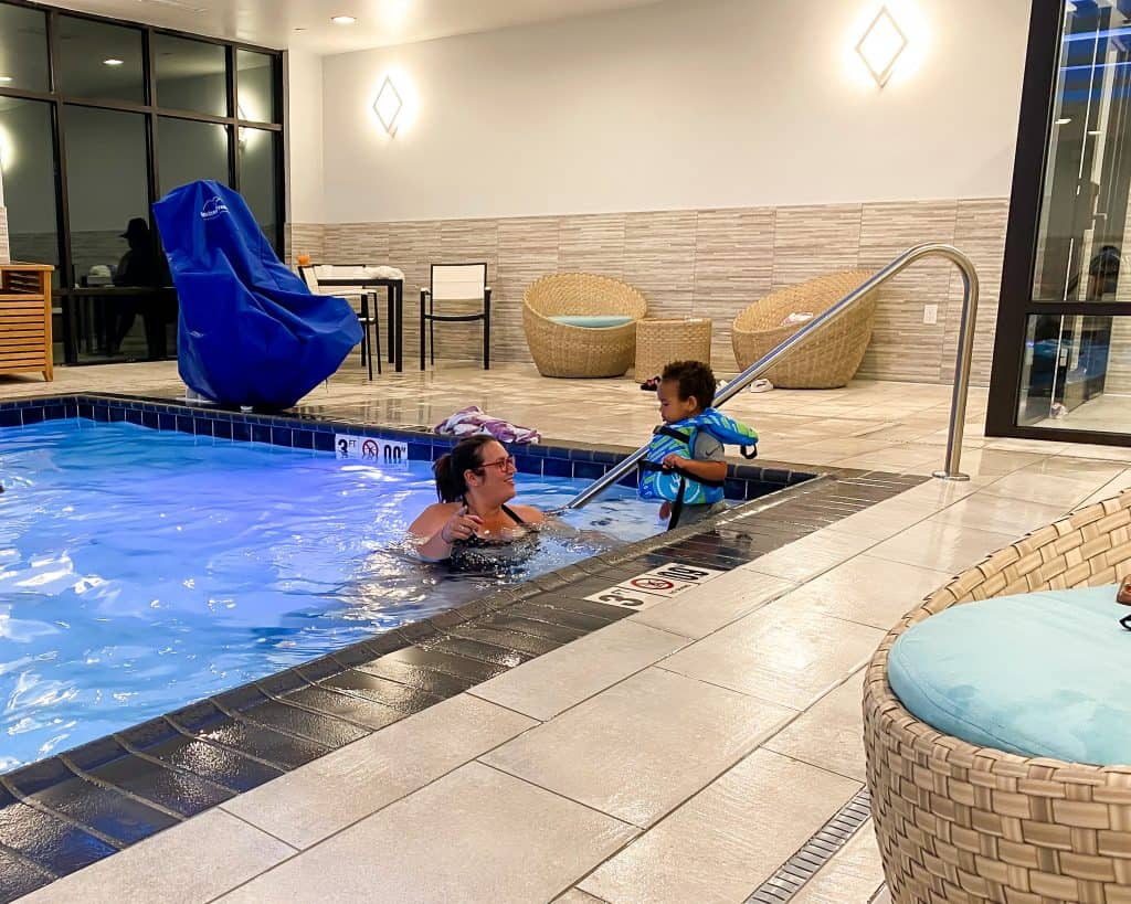 Mississippi - Jackson - Homewood Suites by Hilton - Stephanie and Jordan in the Pool
