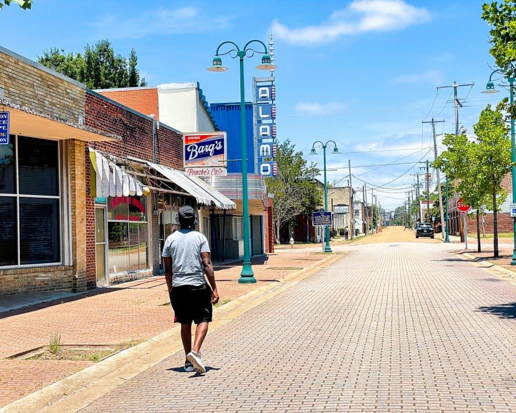 Mississippi - Jackson - Farish Street Historic District - Alamo Theatre - Valentine