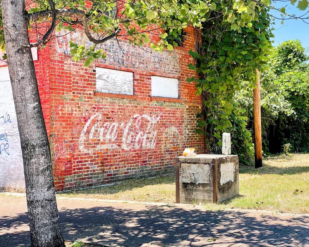 Mississippi - Jackson - Farish Street Historic District - Coca Cola Mural
