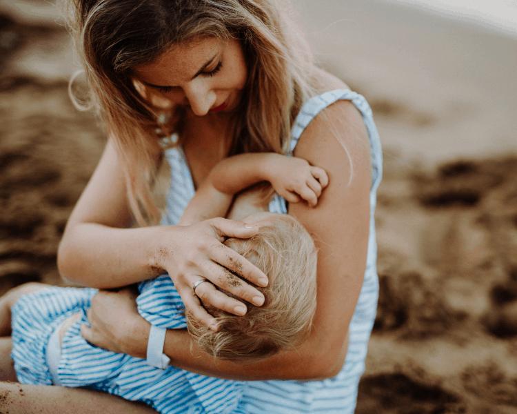 Breastfeeding on a Road Trip - Breastfeeding on a Road trip in Public