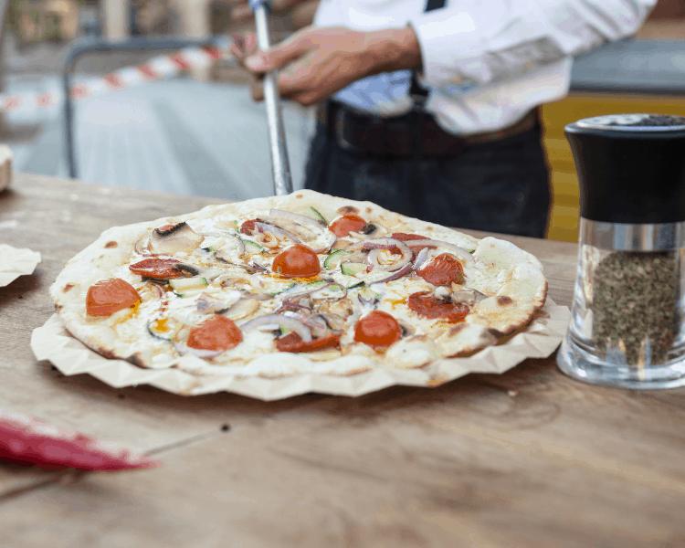 Italy - Naples - pizzeria