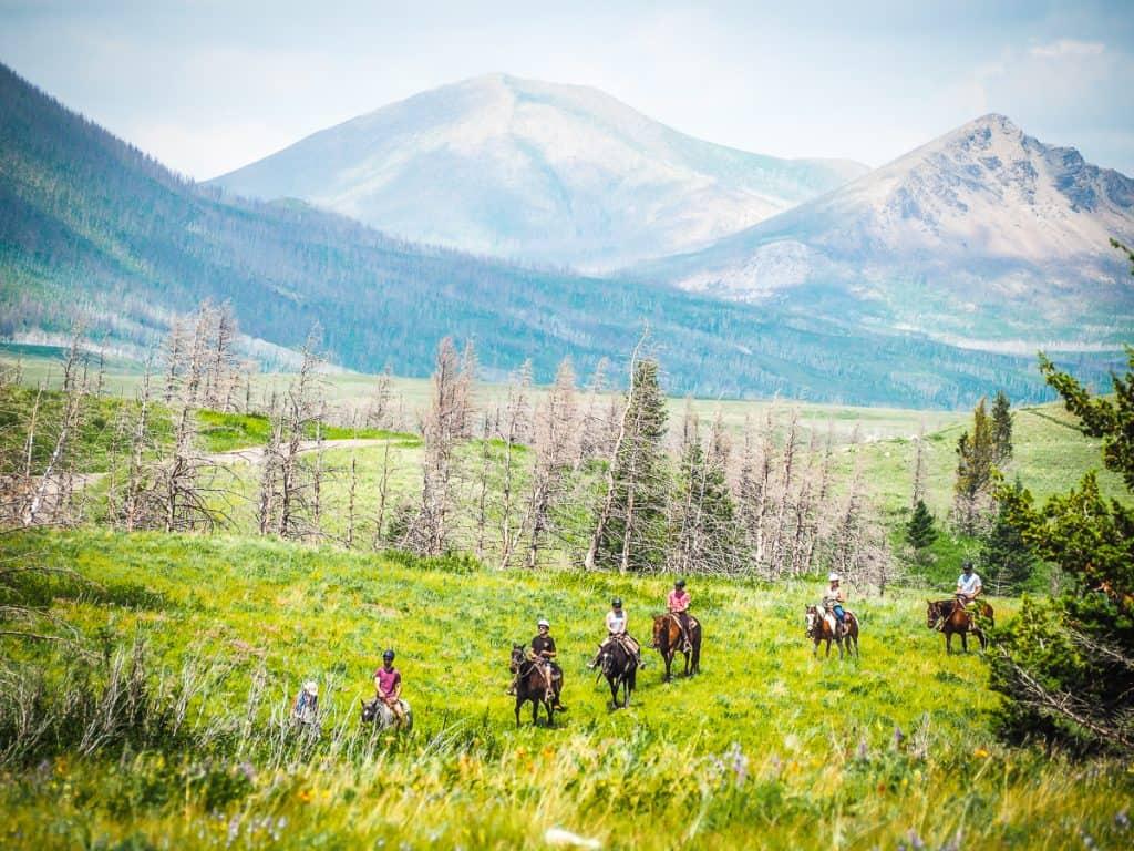 Candada - Alberta - Waterton Lakes National Park - Horseback Riding in Waterton