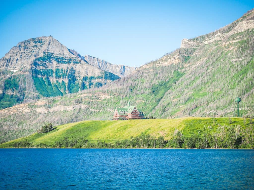 Candada - Alberta - Waterton Lakes National Park - Prince of Wales Hotel from Driftwood Beach